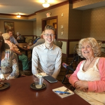 L'Ambizioso Duo-Lilydale Senior Living-ladies chatting with one of the performers